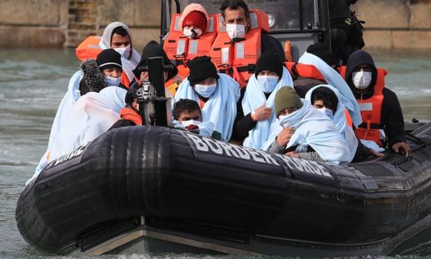 GB descuida el bienestar de niños migrantes en deportaciones masivas