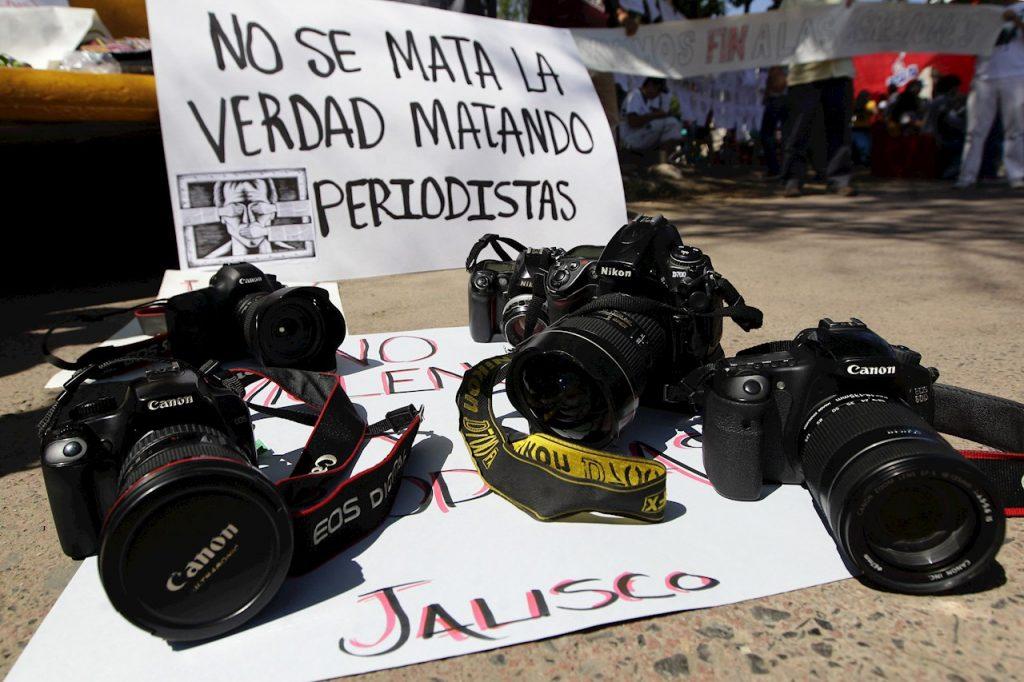 Asesinan a fotoperiodista en México tras tomar fotos de cuerpos en una carretera