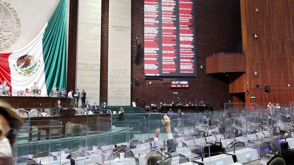 'Existe una mala percepción de que los legisladores solo se dedican a levantar el dedo': Fernando Dworak