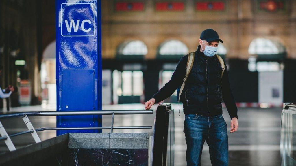 Covid-19, más grave y hasta tres veces más mortal que la influenza: estudio