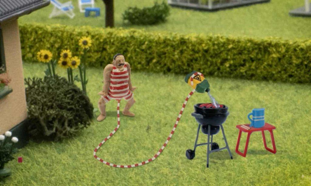 Estrenan en Dinamarca programa de TV sobre un hombre con pene gigante