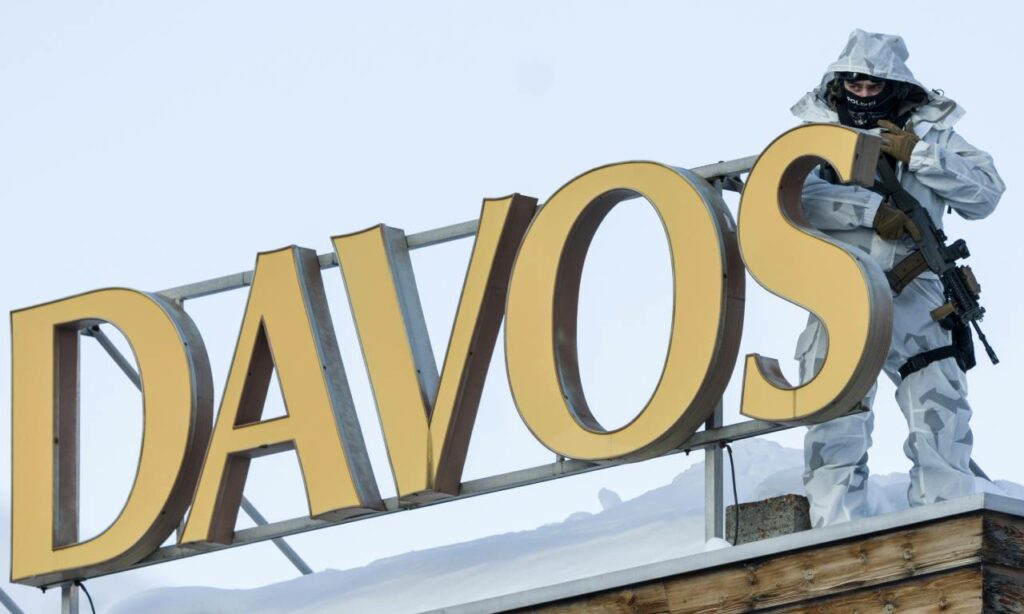 ¿Por qué un exmanifestante, ahora alcalde de Davos, quiere que el WEF vuelva?