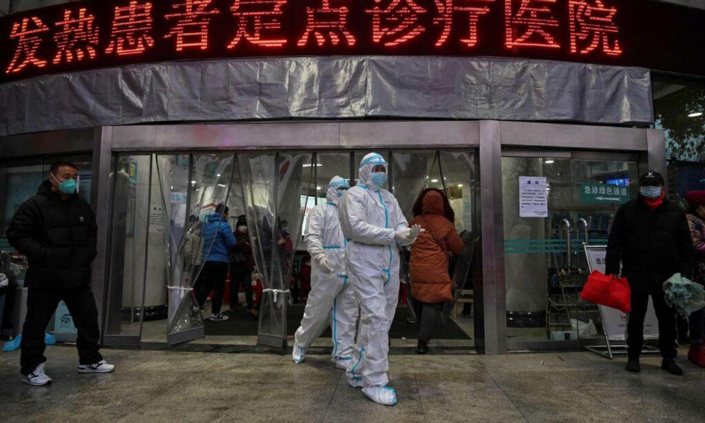 Wuhan hace tests masivos por primeros casos de covid locales luego de un año libre