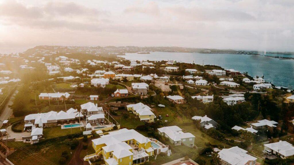 Forbes canceló viaje a Bermudas para que emprendedores escaparan 1 mes del Covid