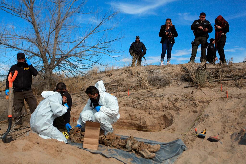 393 cuerpos se han exumado de 174 fosas clandestinas solo en 2021