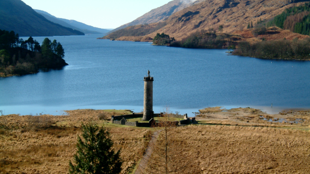 Descubren vínculos del memorial de Glenfinnan en Escocia con tráfico de esclavos