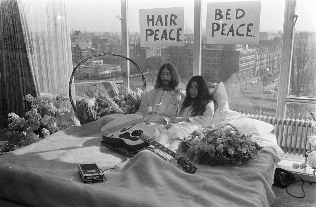 10 camas que cambiaron el mundo, desde la de Tutankamón a la de Tracey Emin
