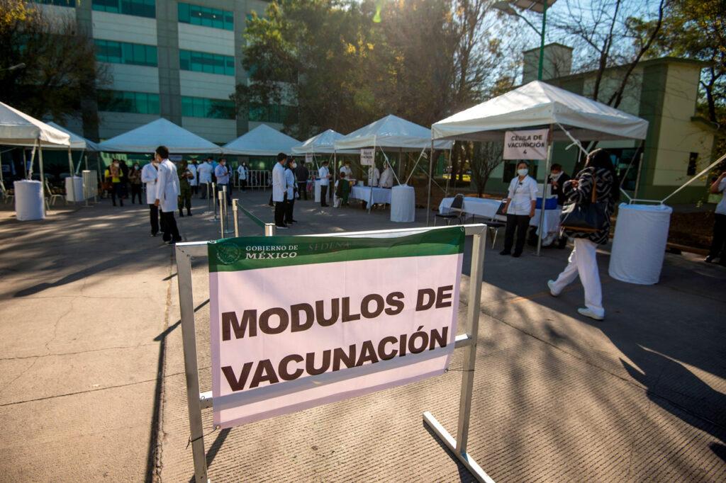 CDMX prevé vacunar al 31% de los adultos mayores para la semana del 22 de marzo