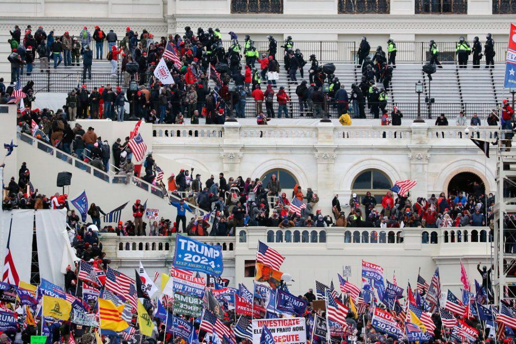 Registros policiales muestran amenazas de muerte a legisladores tras el ataque al Capitolio