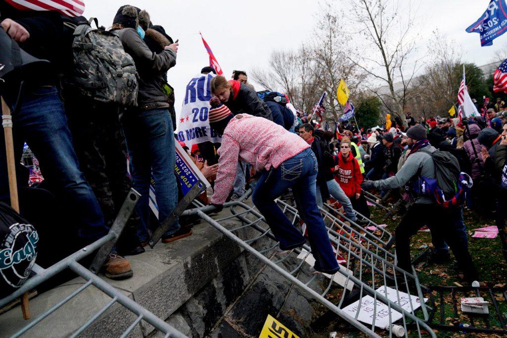 Revelación: la mayoría de los acusados por el ataque al Capitolio no están en la cárcel