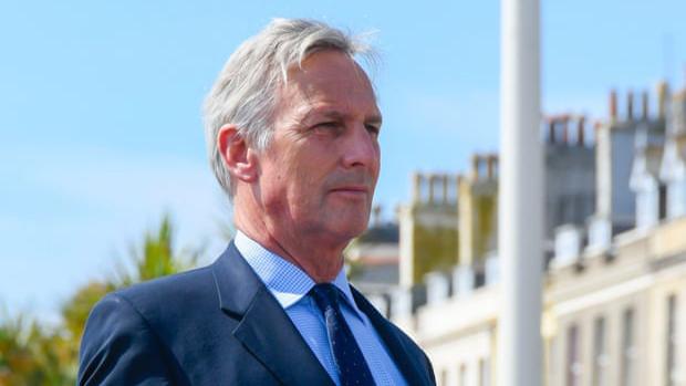 Exhortan a legislador británico a pagar por el pasado de su familia en la trata de esclavos