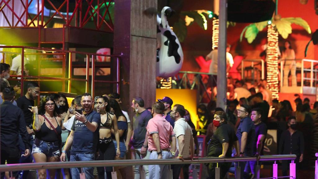 Por sus medidas a la ligera, México resentirá restricciones de EU a viajeros