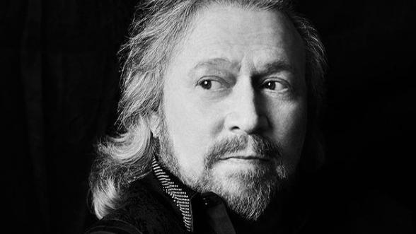 Barry Gibb de los Bee Gees: 'Está la fama y la ultrafama que puede destruirte'