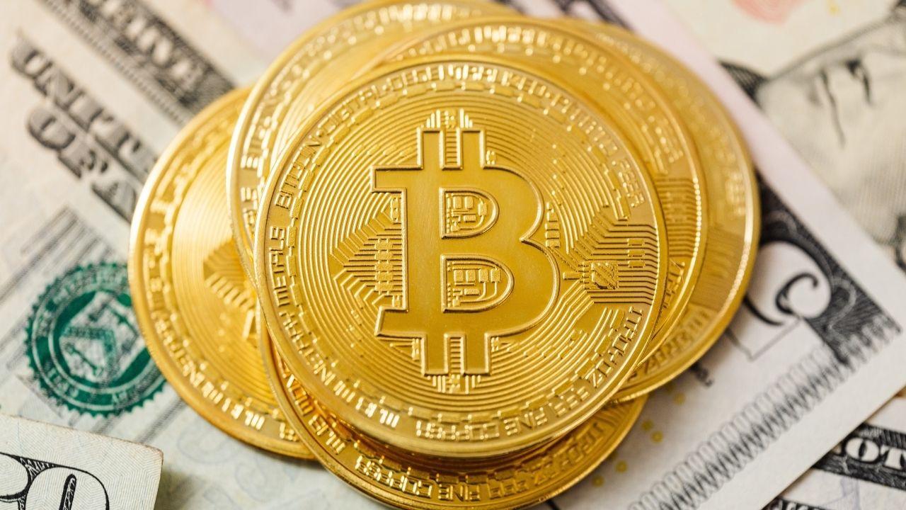Imagen de un bitcoin, nueva moneda en El Salvador