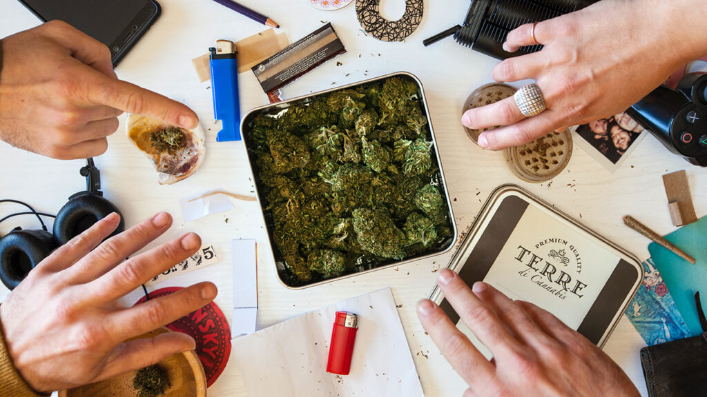 En los 'coffee shops' de Ámsterdam dicen: la cannabis es sólo para los holandeses