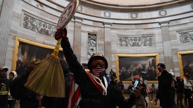 Hijo del creador del Capitán América arremete contra el uso de sus símbolos en la toma del Capitolio