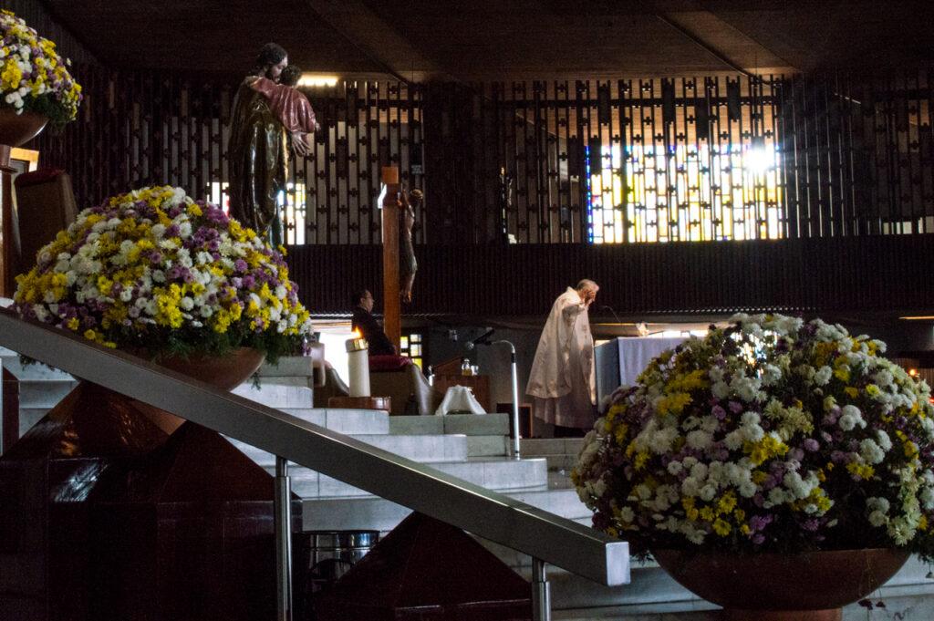 173 muertes y contando: así vive la Iglesia católica la pandemia de Covid-19
