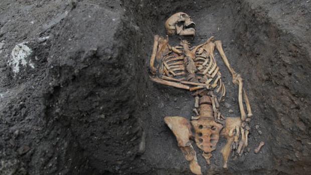 Análisis óseo de un fraile proporciona pistas sobre las muertes medievales