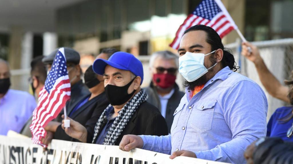 Biden revertirá en su primer día políticas 'inhumanas' de Trump en migración