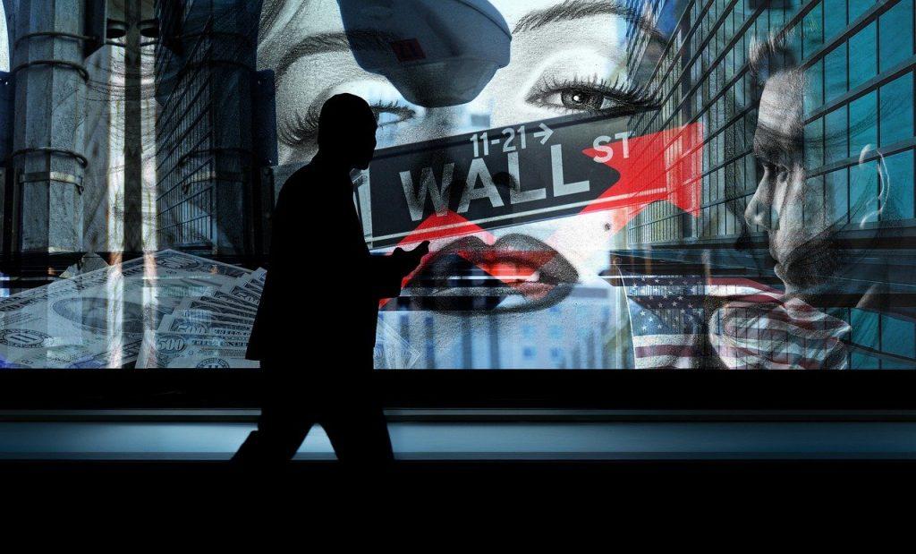La Bolsa de Nueva York deslistará a tres firmas chinas por 'nexos militares'