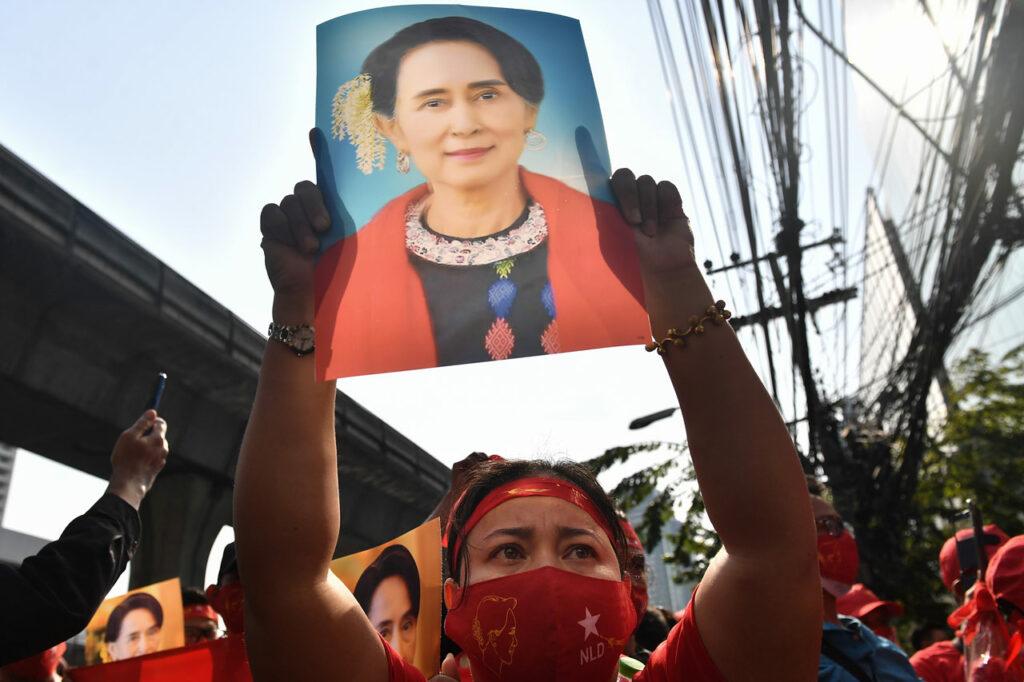 Terminan 10 años de libertad: la heroína caída de Myanmar ve el regreso de días oscuros
