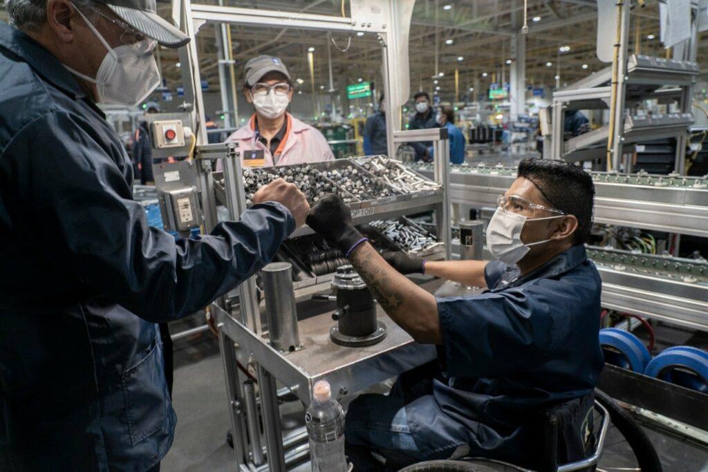 Denuncian coerción para legitimar contrato colectivo de trabajo de General Motors