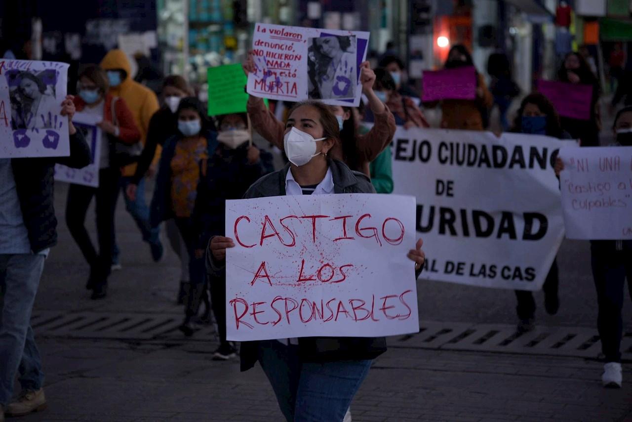 Marcha por el asesinato de una médica en Chiapas Mariana Sánchez