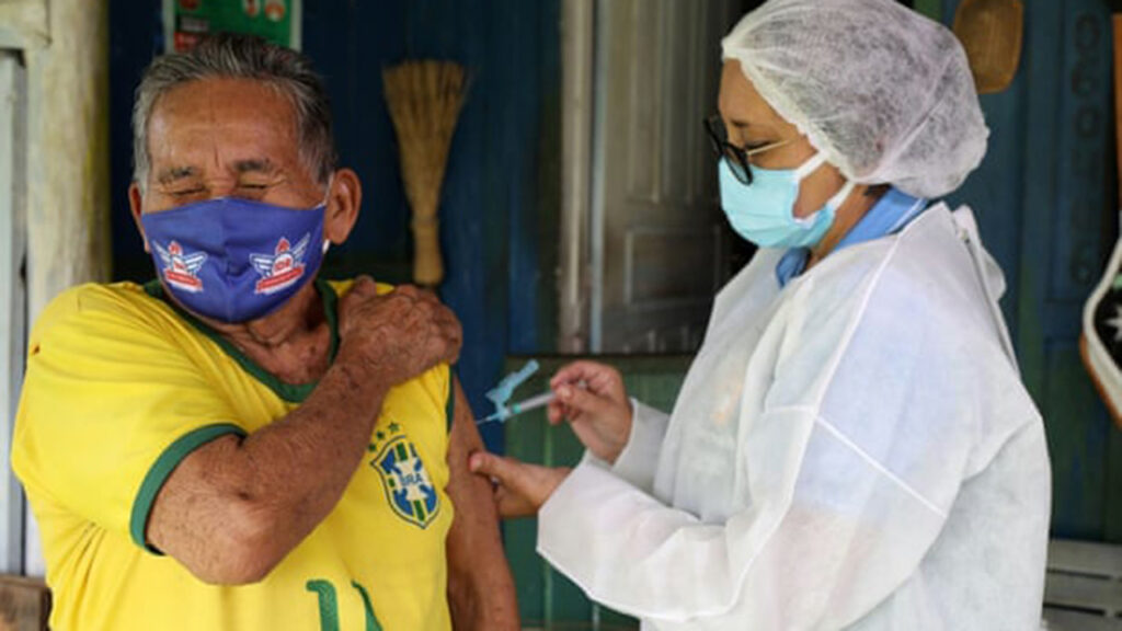 El plan de vacunas Covid en una ciudad en Brasil provoca un boom inmobiliario
