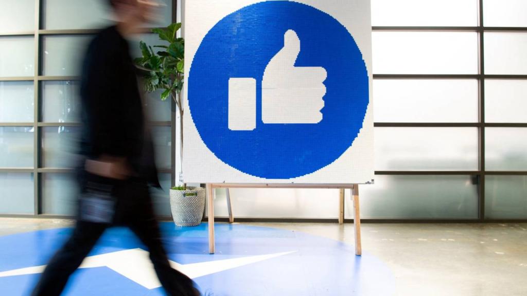 Redes de engaños y el millón de dólares que Facebook tumbó en el proceso electoral