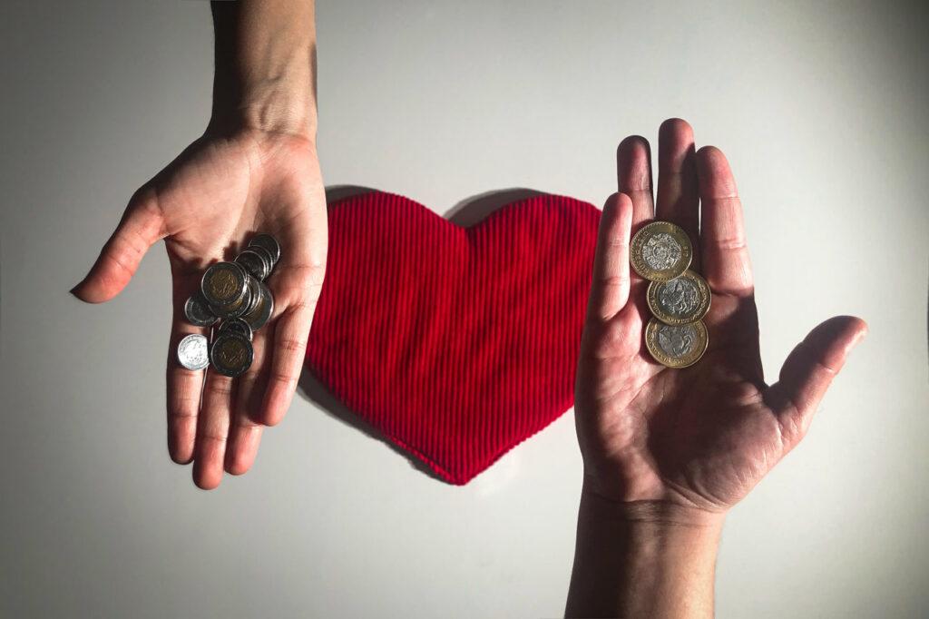 Finanzas sanas: Cómo hacer que el amor no salga por la ventana
