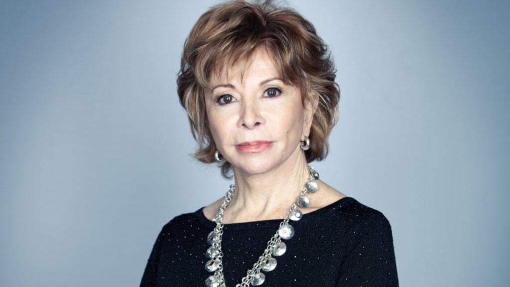 'Me dijeron loca cuando me divorcié a los setenta y tantos': Isabel Allende