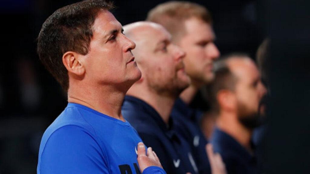 Mark Cuban sacó la política de los deportes en EU y la derecha estalló