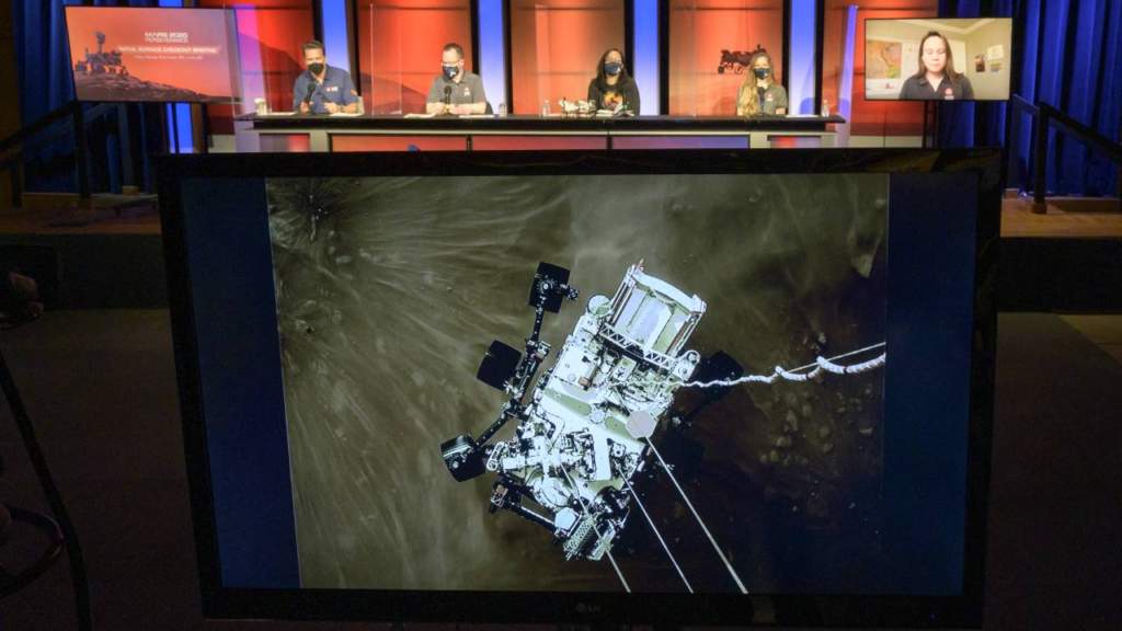 La NASA celebra llegada de Perseverance a Marte con imágenes impresionantes