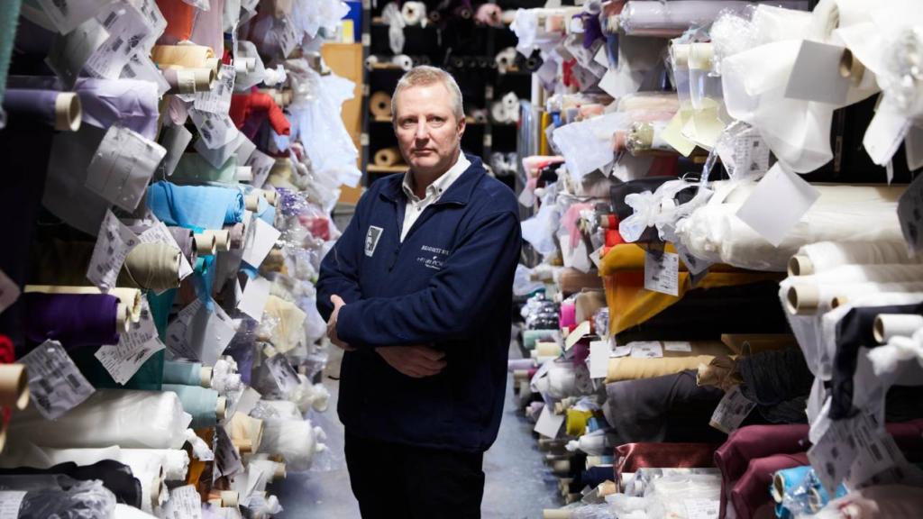 Firma de seda se une al éxodo de empresas que dejan al Reino Unido por el Brexit