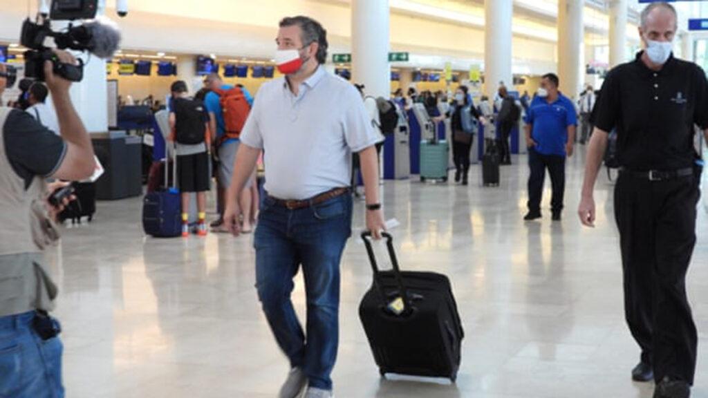 Mientras los texanos se congelan a oscuras, Ted Cruz se asoleaba en Cancún