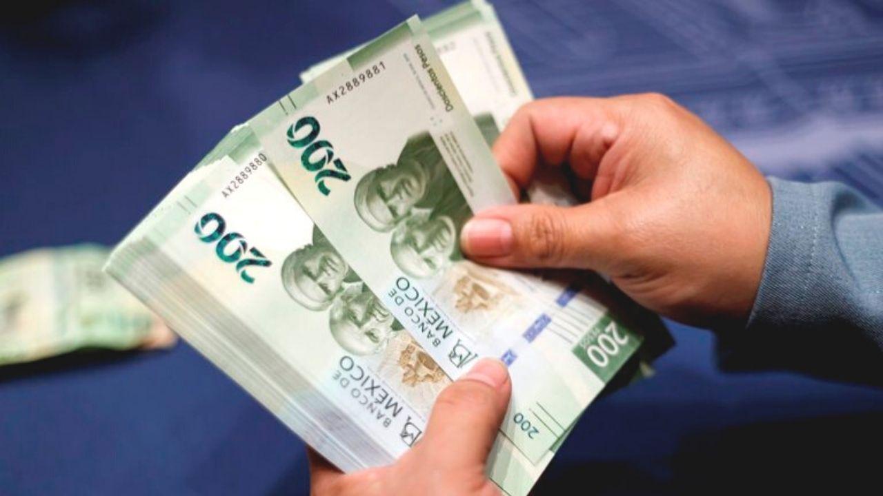 salario-minimo-pesos-mexico-dinero