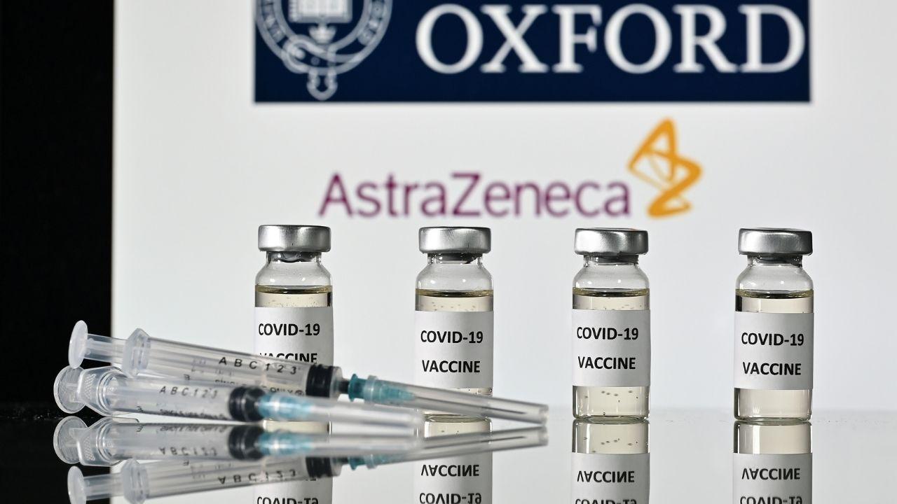 Foto de dosis de la vacuna de astrazeneca