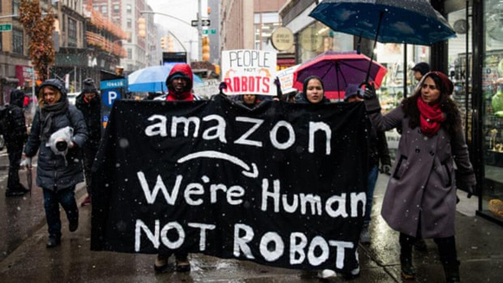 Amazon es un desastre para los trabajadores, un factor que 'Nomadland' pasa por alto