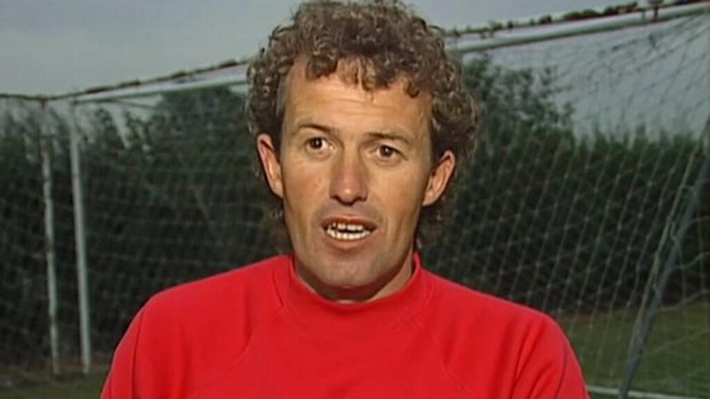 Abuso sexual en el futbol inglés; la FA 'no hizo lo suficiente para mantener a los niños a salvo'