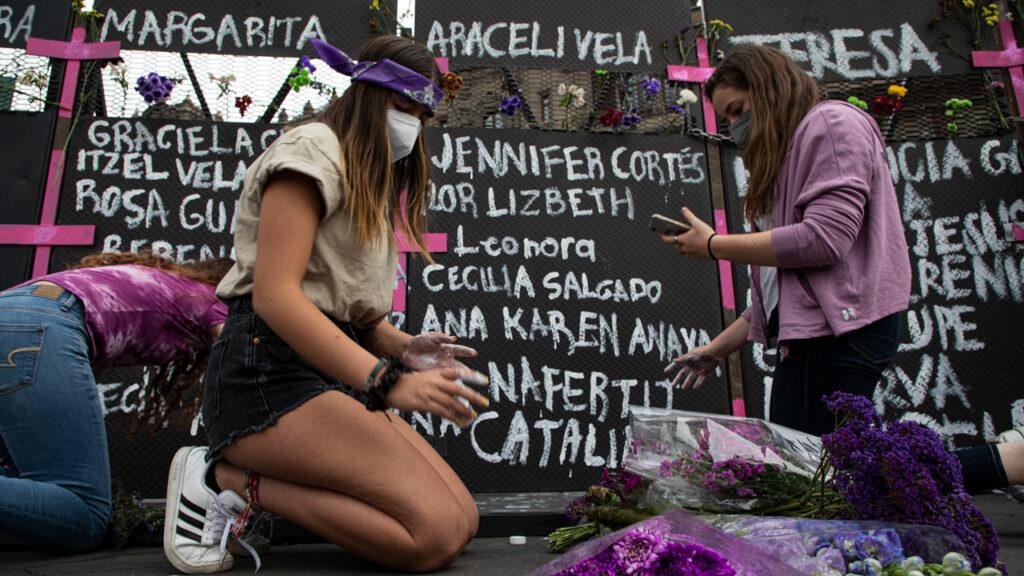 'AMLO nos convirtió en el enemigo público número 1': por qué las feministas son la voz de oposición de México