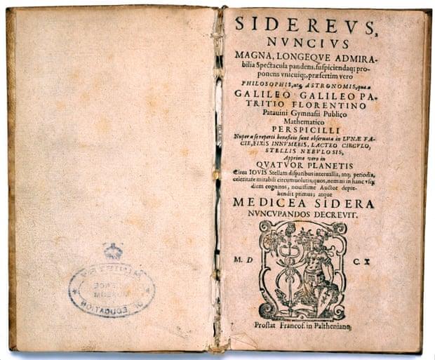 4 años en reportar el robo de un libro de Galileo: ¿qué castigo le toca a una bibliotecaria?