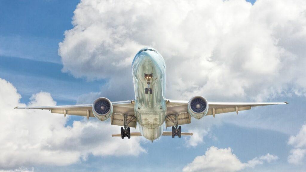 Licencias de personal y operación de aeronaves, posibles causas de la baja en la calificación de seguridad aérea