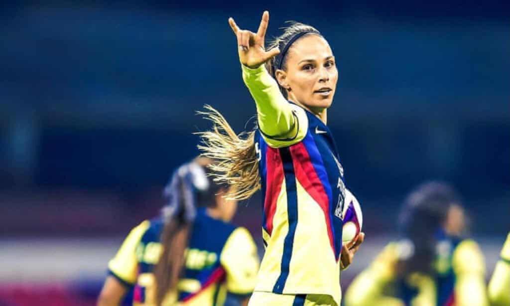 Janelly Farías: la futbolista mexicana más decidida y valiente