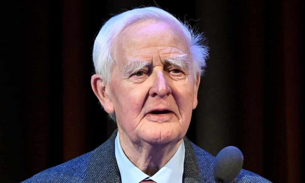 John le Carré, el cronista de lo inglés, murió siendo irlandés, reveló su hijo