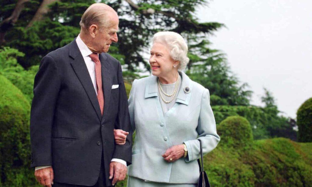 La Reina dice que la muerte del príncipe Felipe ha dejado 'un gran vacío'
