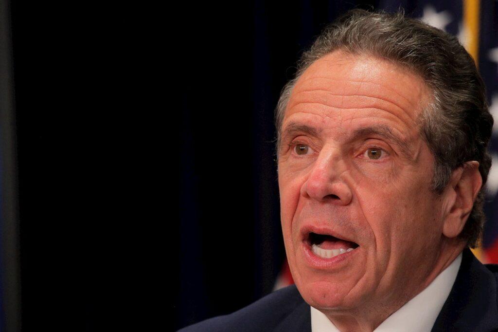 La Asamblea de NY suspende investigación sobre Cuomo tras su dimisión