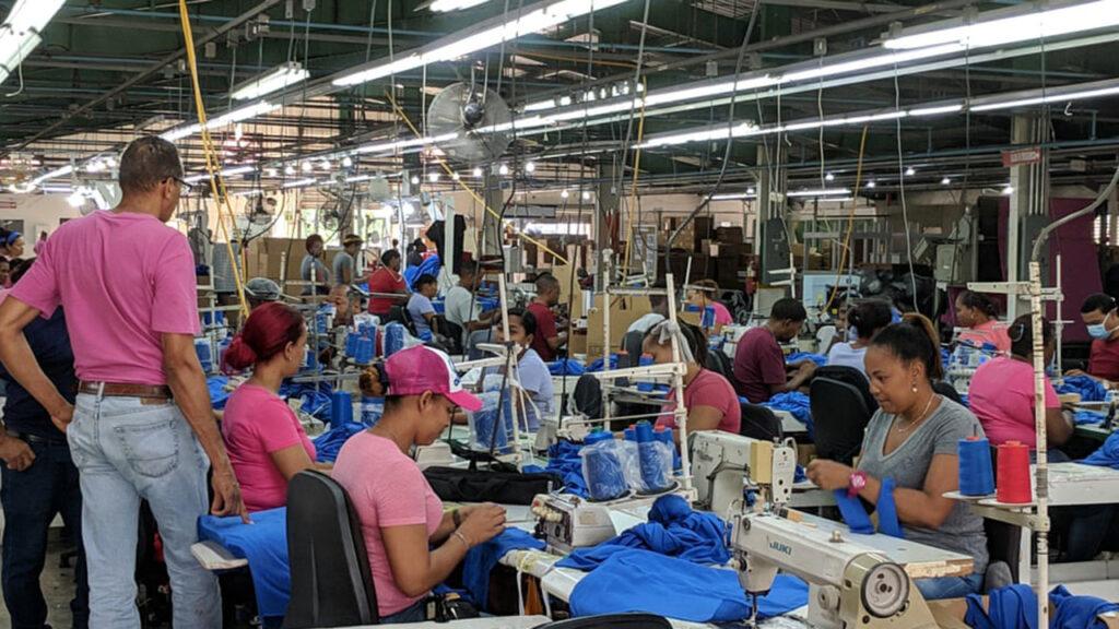 Esta fábrica quería pagar un sueldo digno a sus empleados… ahora sufre cierres