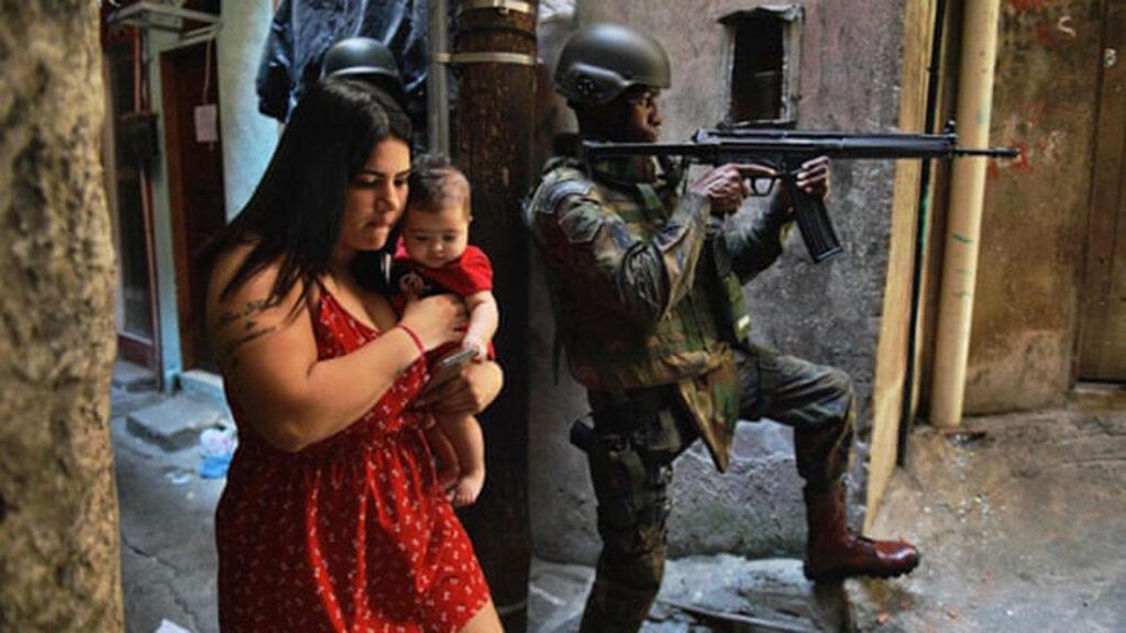 La policía mata a cientos en las favelas de Río a pesar de prohibición de operativos