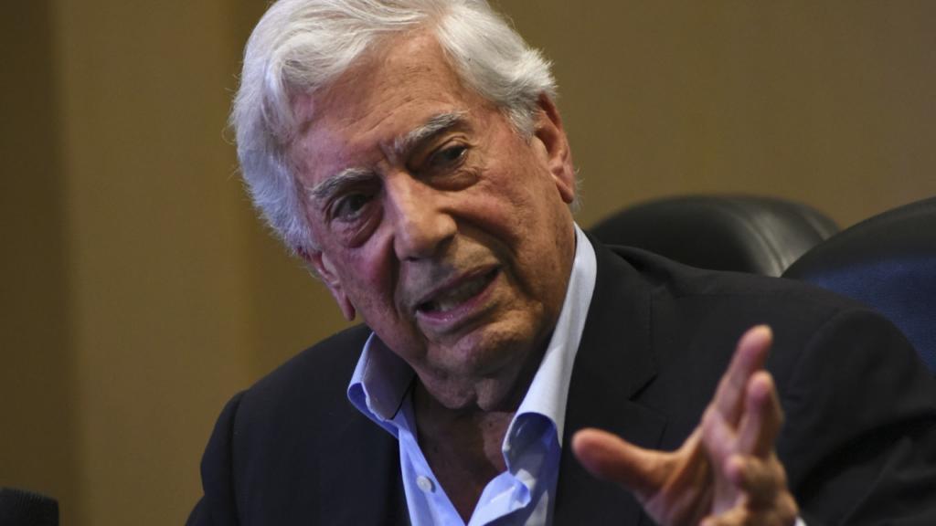 Keiko Fujimori sería 'el menor de dos males' como presidenta de Perú: Mario Vargas Llosa