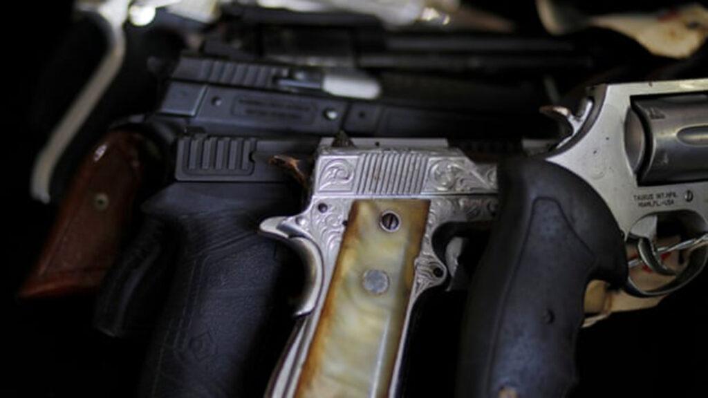 Armas fabricadas en EU destrozan a Centroamérica y detonan la migración hacia el norte